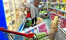 La cesta de la compra sube en Bizkaia un 12% por el 'tarifazo' eléctrico y la crisis logística