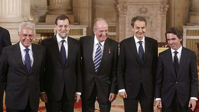 Zapatero y Aznar destacan la preparación del Príncipe para «servir a España»