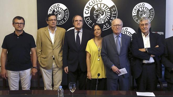 La consulta en Cataluña impulsa la aparición de dos manifiestos