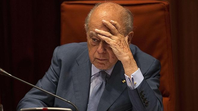 La juez denuncia la «falta absoluta de voluntad de cooperar» de Pujol y su mujer para aclarar el origen de su fortuna
