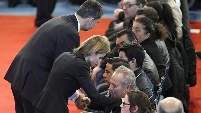 Los Reyes se unen al dolor de Bullas en el funeral por las víctimas del accidente