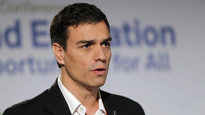 El PSOE califica de «portazo a los españoles» la negativa de Rajoy a reformar la Constitución