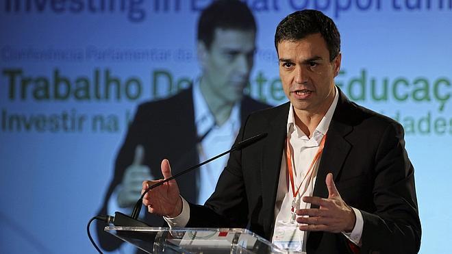 Sánchez insiste en que no habrá una gran coalición con el PP