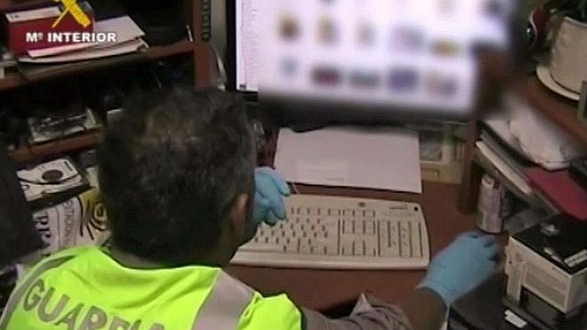 Trece detenidos por distribución de pornografía infantil en internet