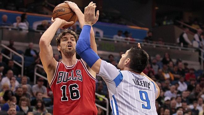 Los hermanos Gasol, decisivos en las victorias de los Bulls y de los Grizzlies