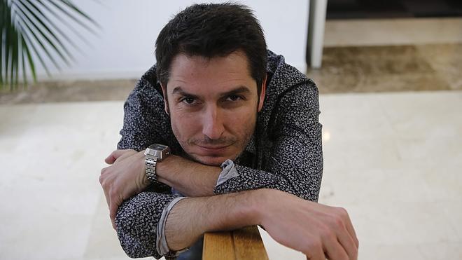 Carlos del Amor: «Me interesan los pequeños héroes anónimos»