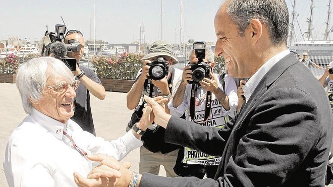 Francisco Camps se persona en la causa abierta contra él y será su propio abogado
