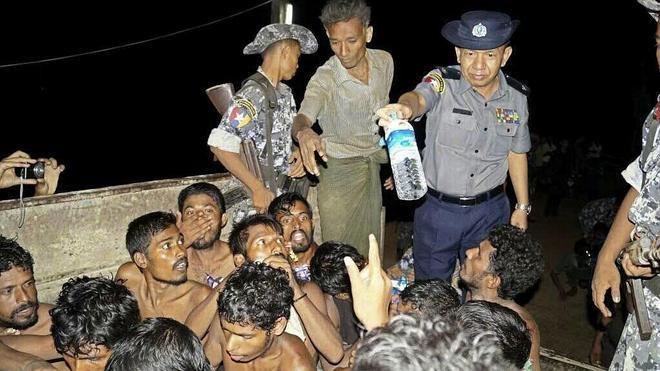 Birmania efectúa su primera operación de rescate de inmigrantes