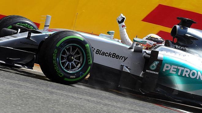 Agua bendita para Alonso en Silverstone