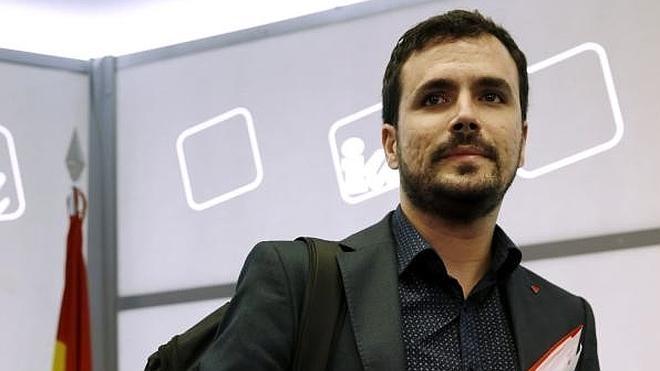 Podemos vuelve a rechazar el pacto con IU y se limita a ofrecer una plaza a Garzón