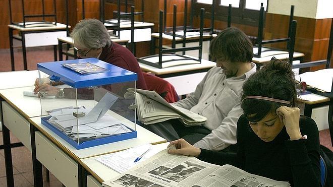Condenado a una multa de 1.080 euros por no acudir a una mesa electoral