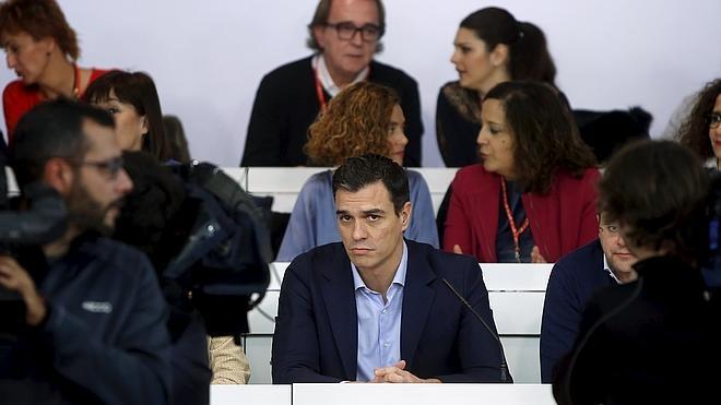 El dilema del congreso parte en dos al PSOE