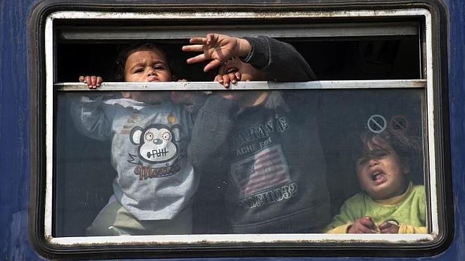 Cada día mueren dos niños refugiados en la ruta a Grecia