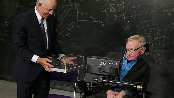 Francisco González entrega a Stephen Hawking el Premio Fundación BBVA Fronteras del Conocimiento