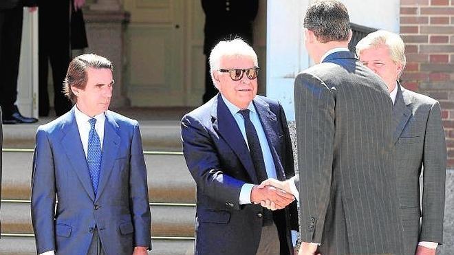 Aznar y González se reúnen con el Rey en la Quinta del Pardo