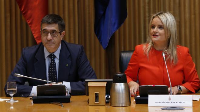 Blanco pide a los partidos que impidan que la voz de ETA se oiga en las instituciones