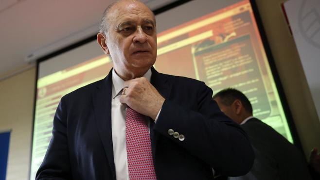 Fernández Díaz dice que prefiere no contribuir al espectáculo sobre sus grabaciones