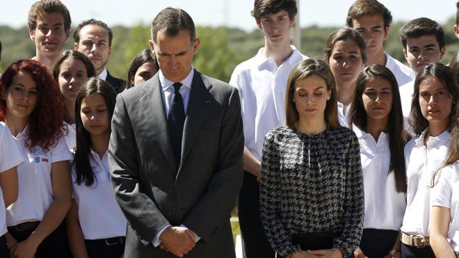 España guarda un minuto de silencio en memoria de las víctimas del atentado de Niza