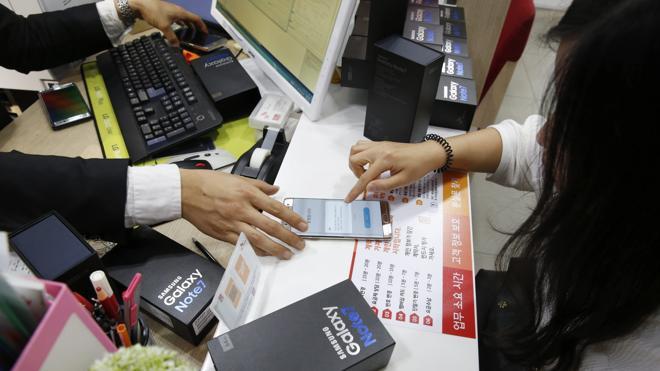 Samsung comienza a entregar los nuevos Galaxy Note 7 tras los casos de ignición