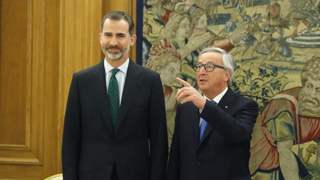 El Rey trata con Juncker la contribución de España a la construcción europea