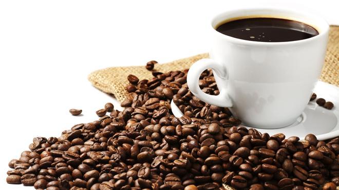 La cafeína estimula una enzima que protegería contra la demencia