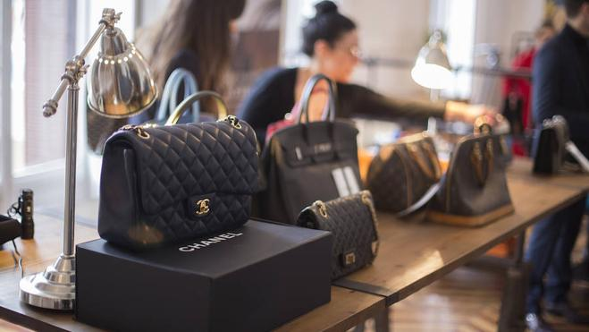 Cómo diferenciar un bolso auténtico de una falsificación