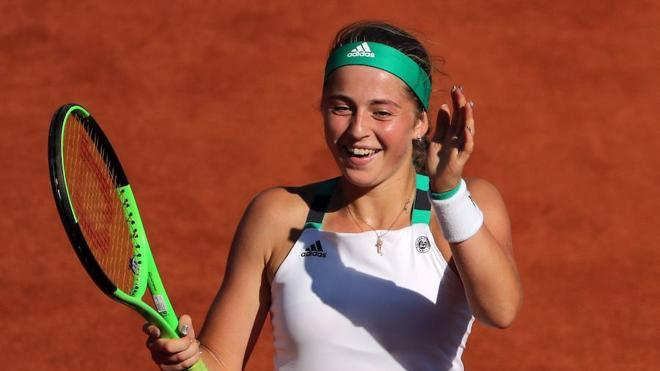Ostapenko y Halep disputarán la final femenina