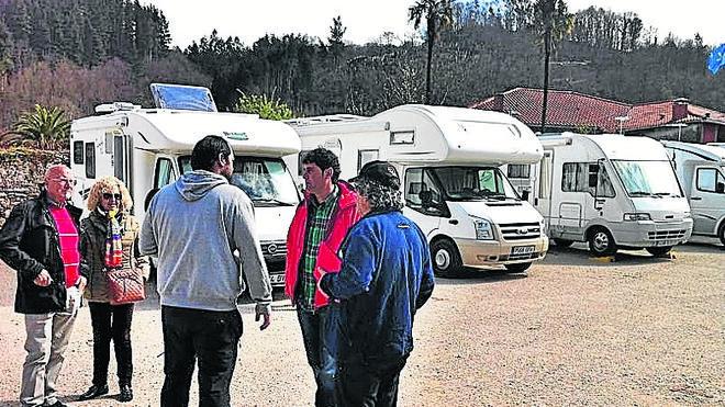 El parking de caravanas se estrena con lleno total