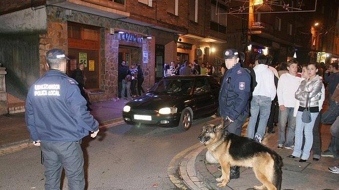 Barakaldo cierra un bar por una pelea entre 14 personas ebrias