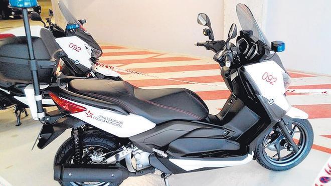 La Policía local de Bilbao se plantea introducir 'scooters' como nuevo modelo de moto