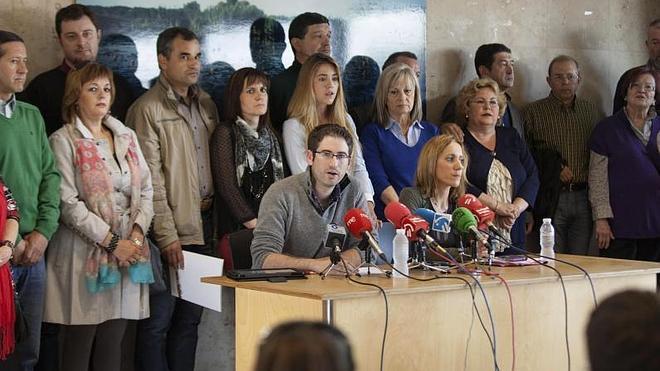 Los críticos del PSE alavés piden la dimisión inmediata de Prieto, López y Rubalcaba