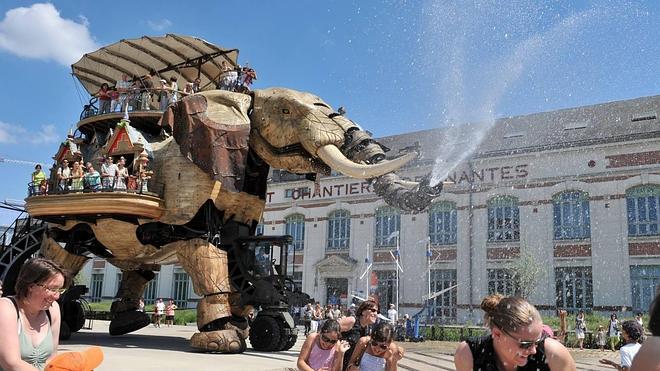 Un paseo por Nantes en elefante mecánico