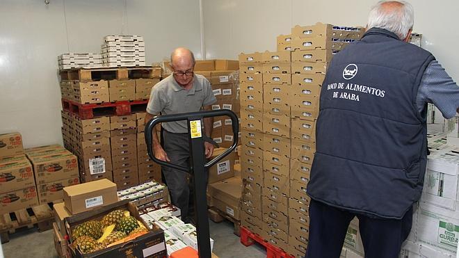 17.500 alaveses, un 29% más, necesitaron ayuda del Banco de Alimentos en 2013