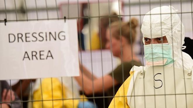 El ébola dispara la demanda de trajes de protección