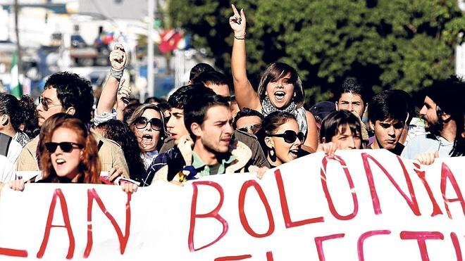 La homologación de títulos anteriores al plan Bolonia estará lista en 9 meses