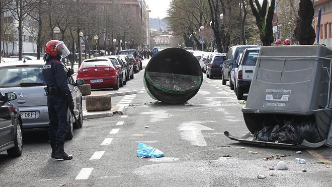 Batalla campal en Vitoria en las protestas contra la reforma universitaria