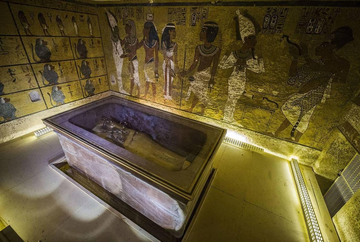 ¿Fue Tutankamón amamantado por su hermana?