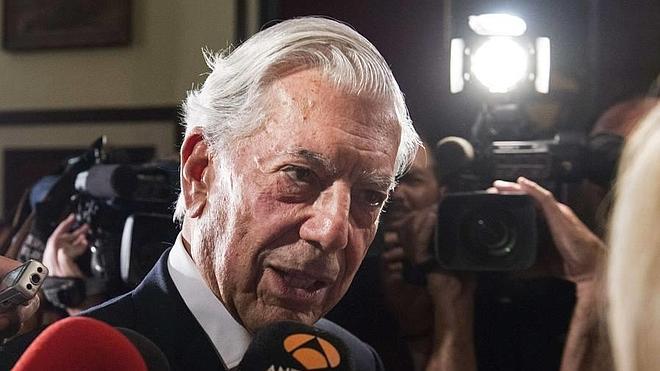 Periodismo, política y sexo, según Vargas Llosa