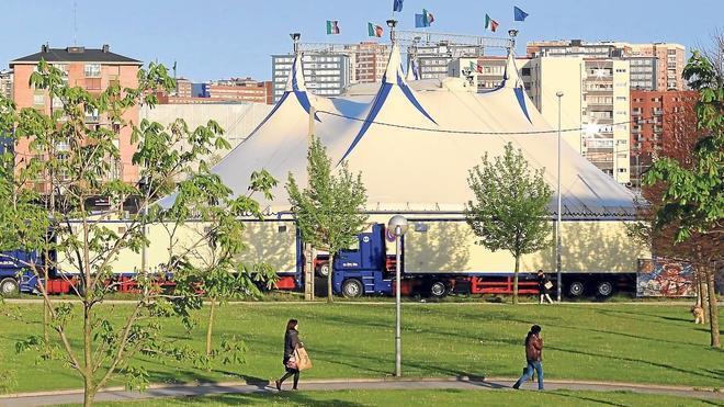 El apuñalado por defender a una maltratada es un empleado de un circo que actúa en Barakaldo