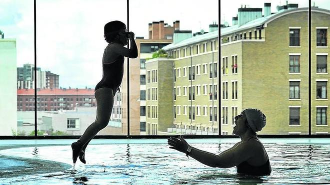 El Ayuntamiento gasta ya 2 millones de euros al año en mantener sus 26 piscinas