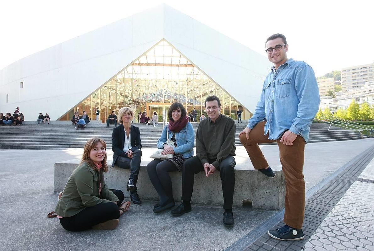 La memoria de la violencia se difumina entre los jóvenes vascos