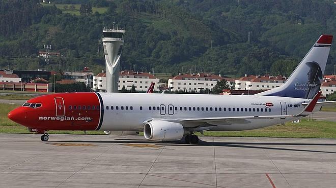 La aerolínea de bajo coste Norwegian desafía a Vueling y unirá Loiu y Barcelona