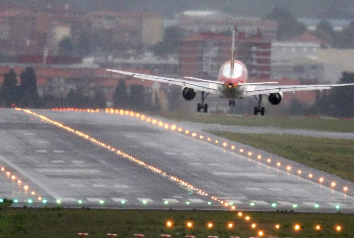 El aeropuerto de Loiu, camino de su récord anual tras subir un 8,5 % hasta junio