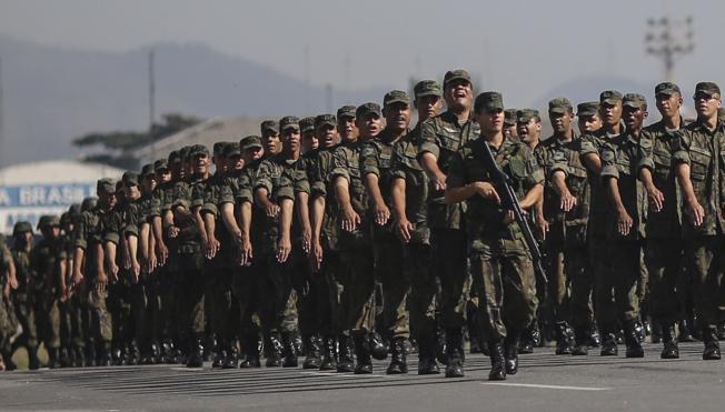 Detenidos 10 terroristas del Estado Islámico que iban a atentar durante los Juegos de Río