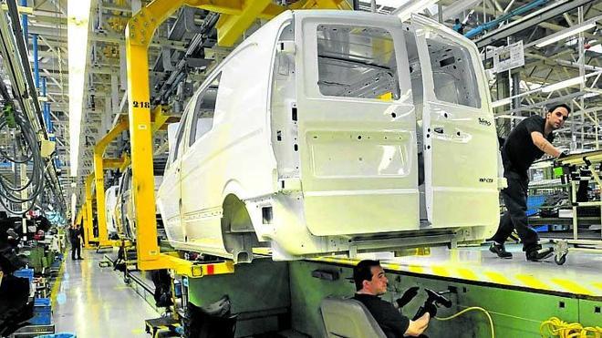Mercedes trabajará de noche desde este lunes para llegar a la producción