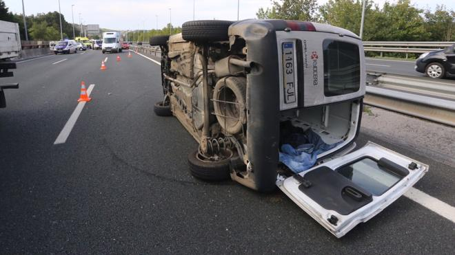 Normalidad en el corredor del Txorierri tras las colas por los tres vehículos accidentados