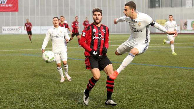 El Arenas firma un justo empate frente al Castilla