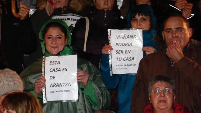 Abetxuko pide al Ayuntamiento que respalde sus protestas contra los 'pichis'
