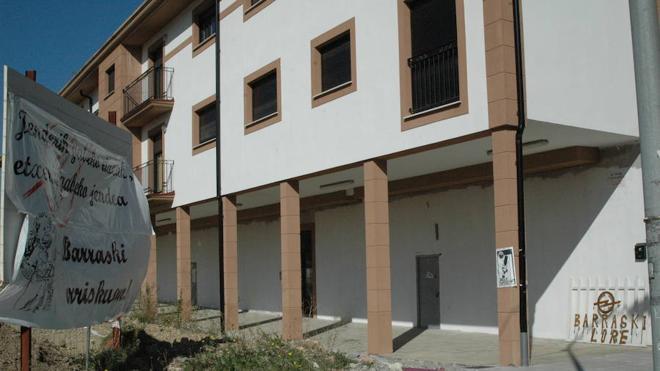 Una afectada por las viviendas inacabadas en Atxondo recuperará todo el dinero invertido