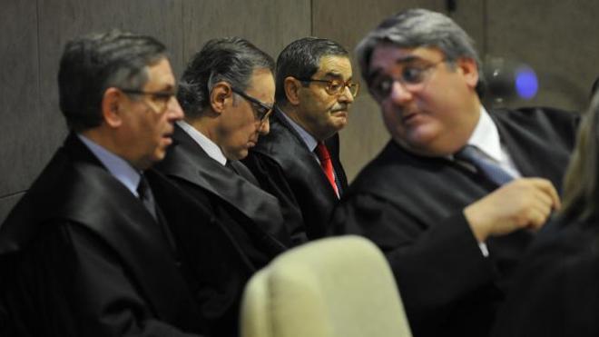 La acusación popular pronostica la condena para los implicados en el 'caso Kutxabank' porque no han probado su inocencia